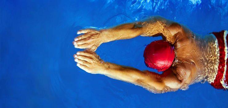 Por qual começar a treinar? Natação ou hidroginástica?