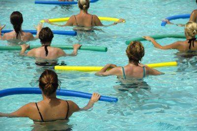 natação ou hidroginástica