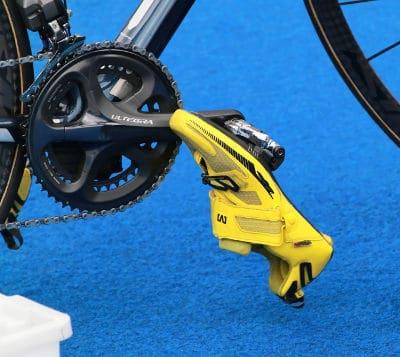 posicionamento dos pés para pedalar
